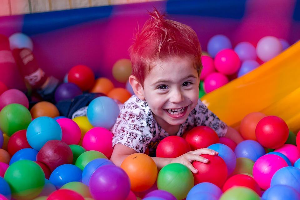 Construye el un espacio infantil De fotos inspiradoras - Claves para crear un espacio sensorial en el aula de ...